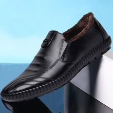 2019 spring and summer new mens leather shoes a pedal casual fashion youth pea