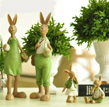 One Piece Home Green Cute Rabbit Family Christmas Friends Girl Resin Gift for Child Doll Micro Landscape Anime Figures 0525