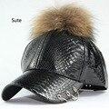 NewWholesale Couro PU Boné De Beisebol Feminino Real Pompons de Vison Verdadeiro pele Bola Cap Chapéu Hip Hop Bonés Snapback Chapéus de Inverno Para mulheres