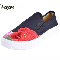 Vintage Embroidery Women Shoes Casual Chinese Floral Canvas Shoes Slip On Soft Single Flats Shoes Sapato
