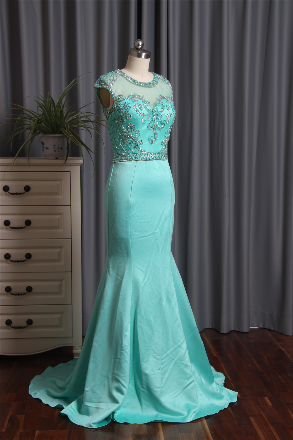 Emerald Green Lace Mermaid Mother of the Bride Dresses V Neck Long ...