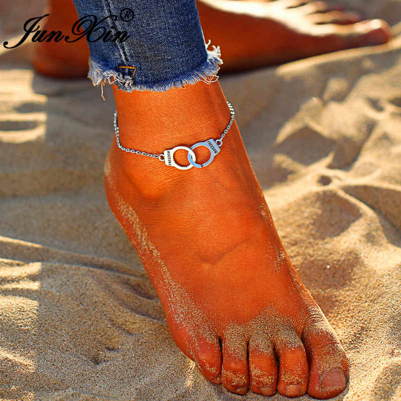 JUNXIN מינימליסטי אזיקים Anklets לנשים כסף צבע החוף יחף סנדל אותיות חופש קרסול צמיד רגל תכשיטים
