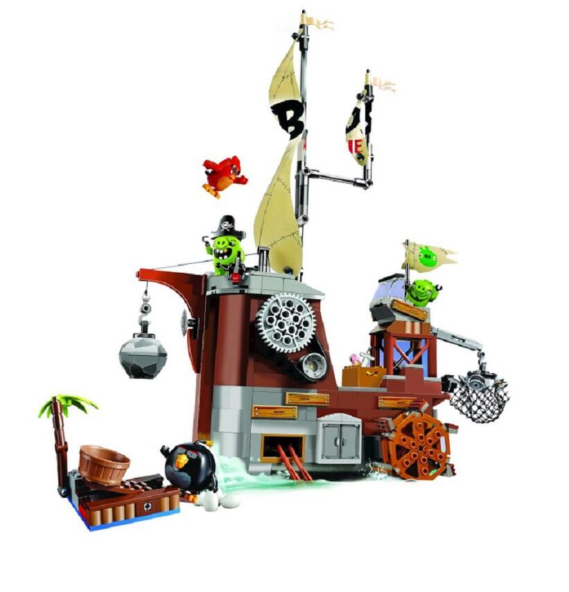 637pcs Birds Piggy Pirate Ship boys and girls Building Bricks Blocks Sets Education toys for children Compatible 75825 red pirate ship blocks compatible legoingly war pirate king character action diy bricks cannon building blocks toys for children