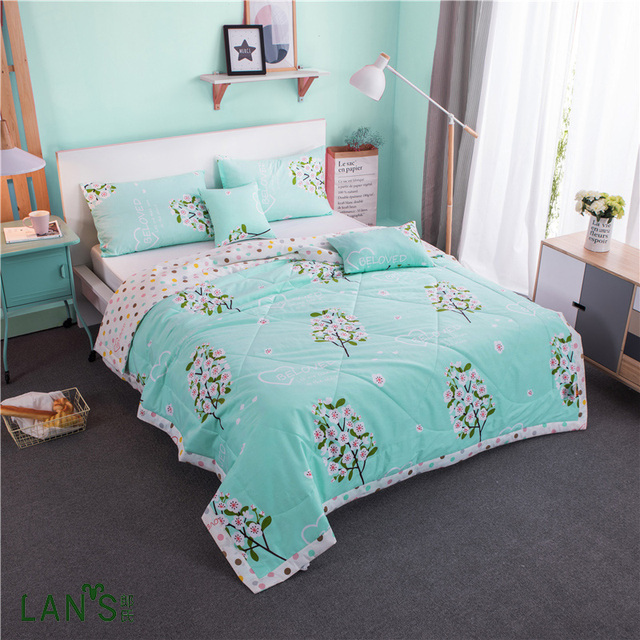 100cotton 2017 Stylish Blue Floral Printed Summer Quilts Washable