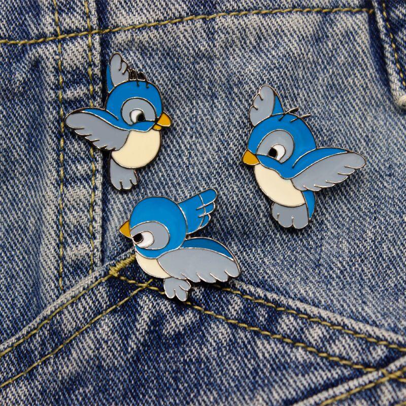 Комплект из 3 предметов Мини мультфильм милый синий Летающая птичка брошь в небо птица Детская одежда милый знак сумка Интимные аксессуары брошь