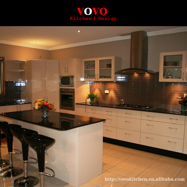 Lucido bianco e nero lacca mobili da cucina italiana in Lucido ...