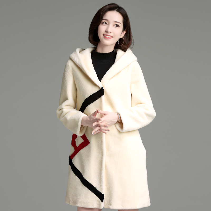 Winter fur coat women in the long paragraph Slim thin fashion real fur wave pattern warm wool coat for lovely ladies clothing