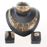 Fashion 18K Gold Plated Nigerian Wedding African Beads Jewelry Set Crystal Saudi Jewelry Sets Bangle Earring