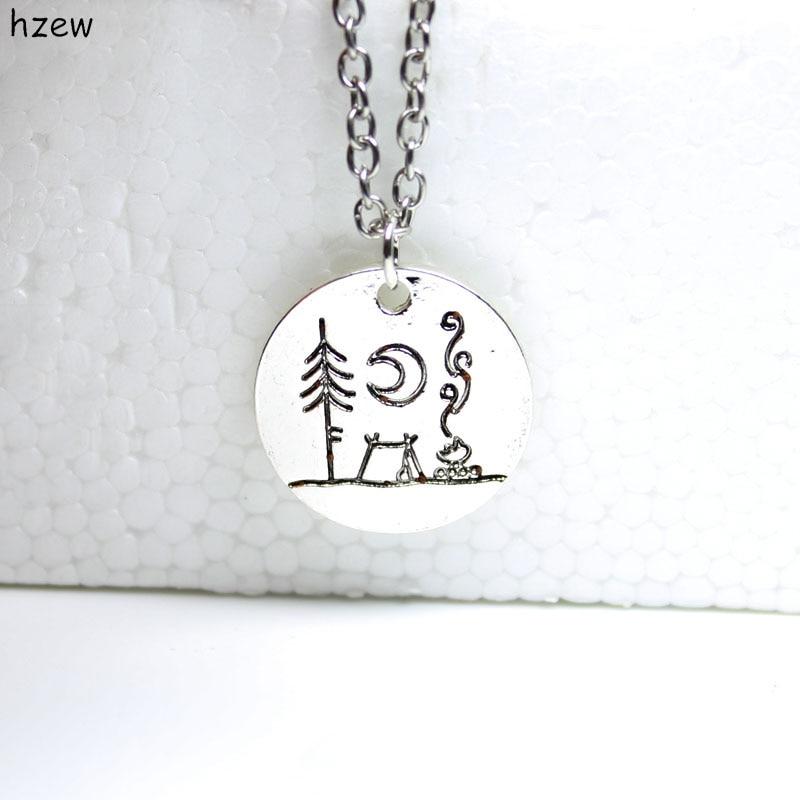 hzewLovely kemping egy nagy fényes hold alatt kemping medál nyakláncok szabadtéri ékszerek egyszerű élet kültéri ékszerek ajándékok nyaklánc