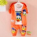 2016 Donald Duck ropa de Bebé muchachos y muchachas del Juego del deporte 3 Unids coat + T-shirt + Pants bebé del otoño del resorte Establece ropa de bebé