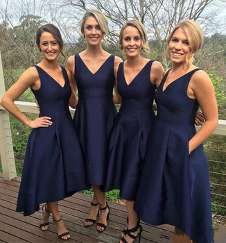Fashion Navy Blue 2018 Bridesmaid Dresses Pockets Satin High Low V-Neck Simple Maid Of Honor Dress Party Gowns Formal Prom Dress