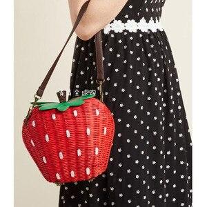 Image 4 - 新しいわらバッグ籐バッグ牧歌織ファッションハンドバッグフルーツイチゴの漫画のメッセンジャーバッグ