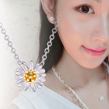 Little Daisy Sunflower-Girl Pendant Necklaces Goes Well With Fashionable Fresh Sunflower Chrysanthemum Silver Necklace