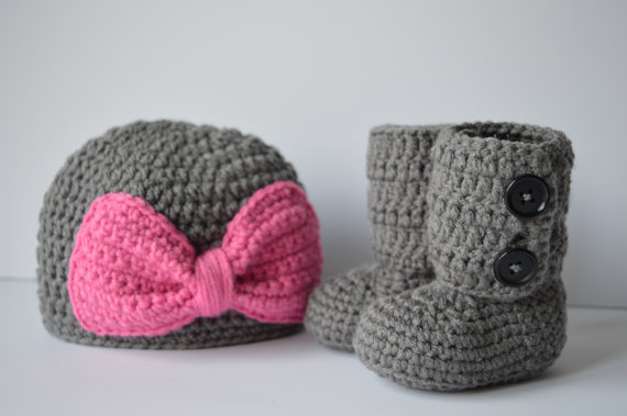Crochet Baby Hat and Booties Set baby shower gift-in Hats   Caps from  Mother   Kids on Aliexpress.com  21eaad030a2