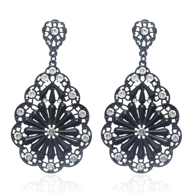 Detail Feedback Questions about ez72 Long Vintage Black Red Golden Silver  Metallic Boho Style Lace Figures Bohemia Hollow Drop Earrings Women Dangle  ... fb0d2c95b8b1