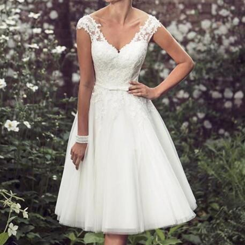 Elegant Cap Sleeves Short Tulle Wedding Gowns Appliques Lace Ball Prom Gown Mid Calf Length Formal
