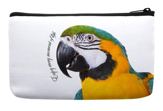 622af7414d Lovely Motivational Scarlet Macaw Parrot Bird Print Customized Small.  Beautiful Parrot Makeup Bag ...