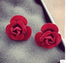 2016 Новый Горячий мода Высокое качество Камелии серьги элегантной розы цветок серьги женский плюшевые черный красный стержня уха аксессуары