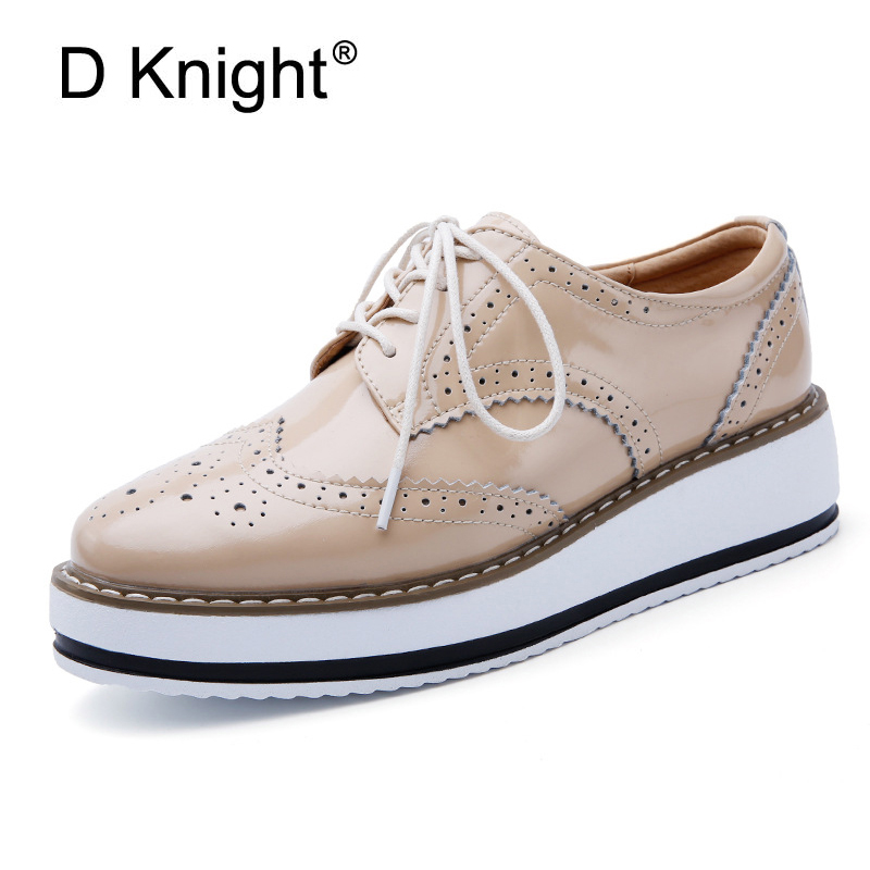 Retro Oxfords For Women Lace up Brogue Shoes Patent Leather Flats Platform Shoes Woman British Style Female Footwear Big Size 40 qmn women crystal embellished natural suede brogue shoes women square toe platform oxfords shoes woman genuine leather flats
