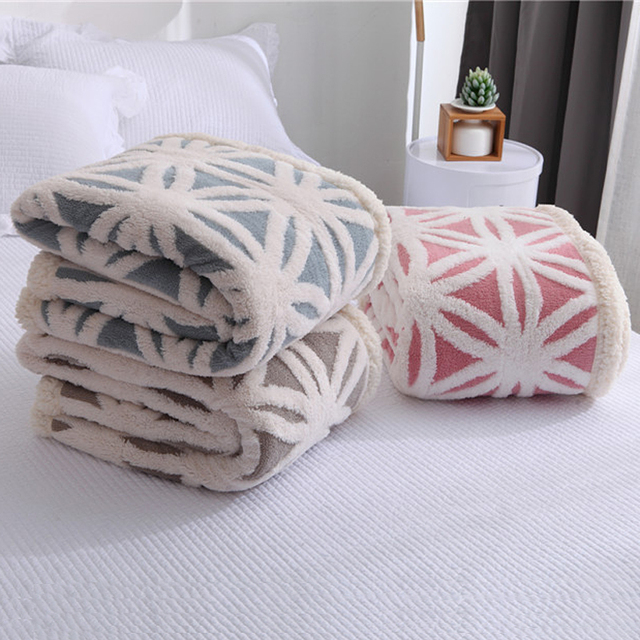 Winter Warm Puffy Fleece Sofa Throw Blanket Modern Minimalist Geometric Pattern Printing Microfiber Plush Comforter Case