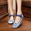 New Arrival Plus Size 35-41 Woman Flats Fashion Blue And White Porcelain Floral Embroidery Shoes For Women Casual Dancing Shoes
