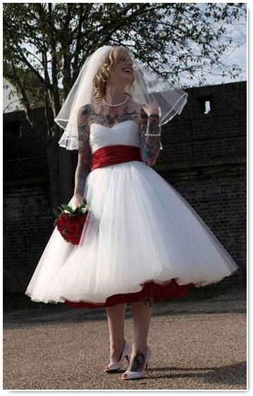 Rock-And-Roll-Gothic-Wedding-DressKnee-Length-Boho-Tulle-Short