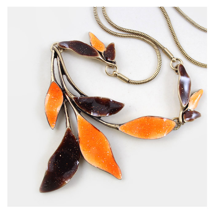 New Fashion Plant series orange brown leaves short necklace For Women Factory Jewelry Wholesale Free Shipping