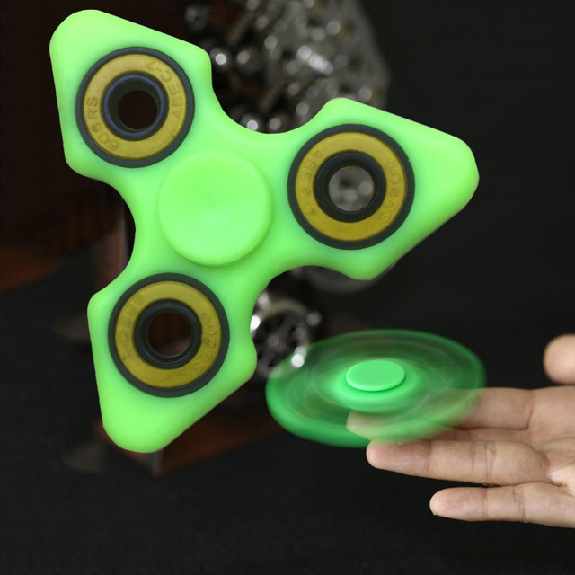 Light Fidget Spinner Toy ABS Plastic Hand Glow In Dark Luminous Finger Spiner For