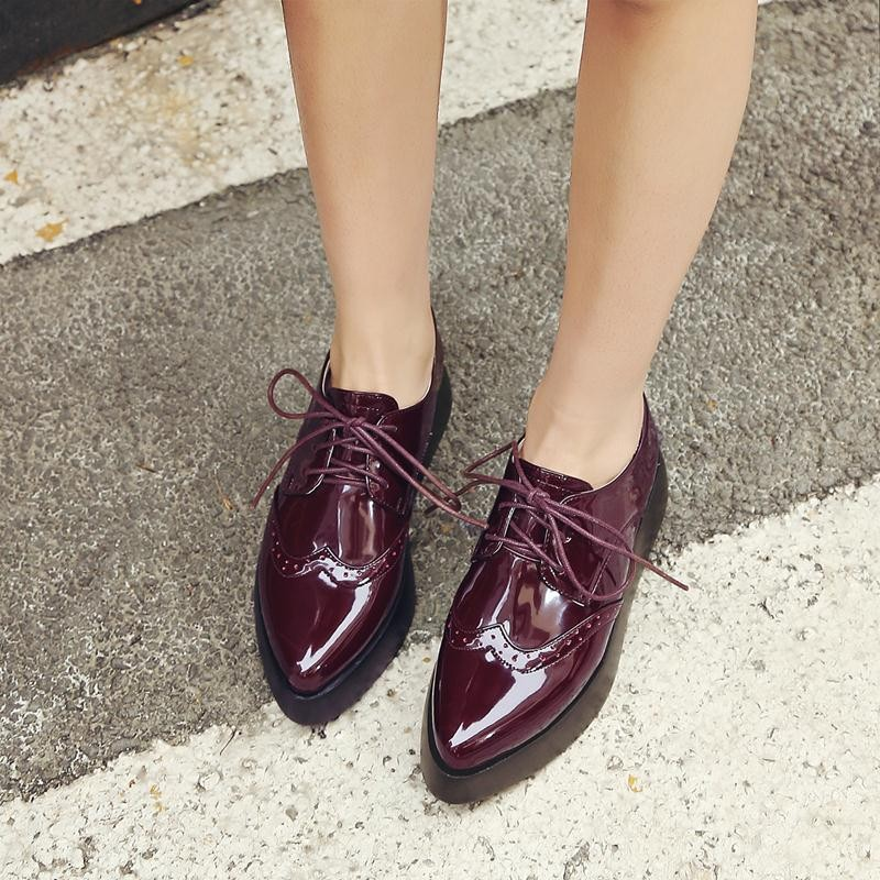 D Knight Nuevo 2018 oxford zapatos para mujer punto del dedo del pie plano  plataforma de charol zapatos de las mujeres tamaño grande 32 42 lace up  brogue ... 2a8773d8c241