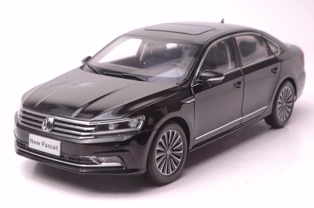 1:18 Diecast Model for Volkswagen VW Passat 2016 Black Alloy Toy Car Miniature Collection Gifts high simulation 1 18 advanced alloy car model volkswagen golf gti 1983 metal castings collection toy vehicles free shipping
