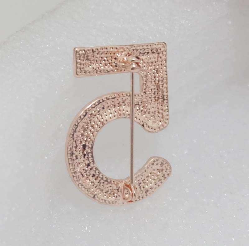 Fashion Channel Bros Pin untuk Wanita Broches Fashion Perhiasan Mutiara Berlian Imitasi Kerah Pin Nomor 5 CC Bros untuk Pernikahan