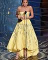 Sin tirantes Amarillo Claro de la Alfombra Roja Vestidos de La Celebridad 2017 Oscar Alicia Vikander Pick Up Rebordear Largo 88ª Moda Vestidos
