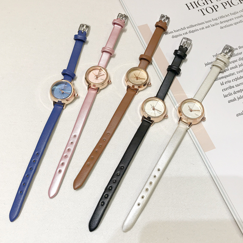 Retro Minimalism Ladies Wrist Watches Small And Exquisite Women Quartz Watch Simple Woman Dress Watch With Leather Band
