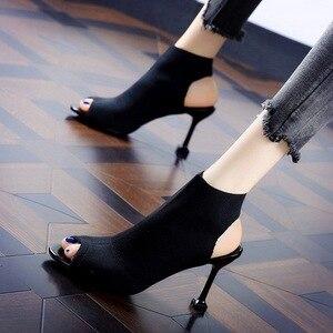 Image 4 - SMTZZJ جديد 2019 تصميم ماركة الموضة أحمر أسود متماسكة الصيف الصنادل النساء مضخات عالية الكعب المفتوحة اللمحة تو السيدات جوفاء الأحذية