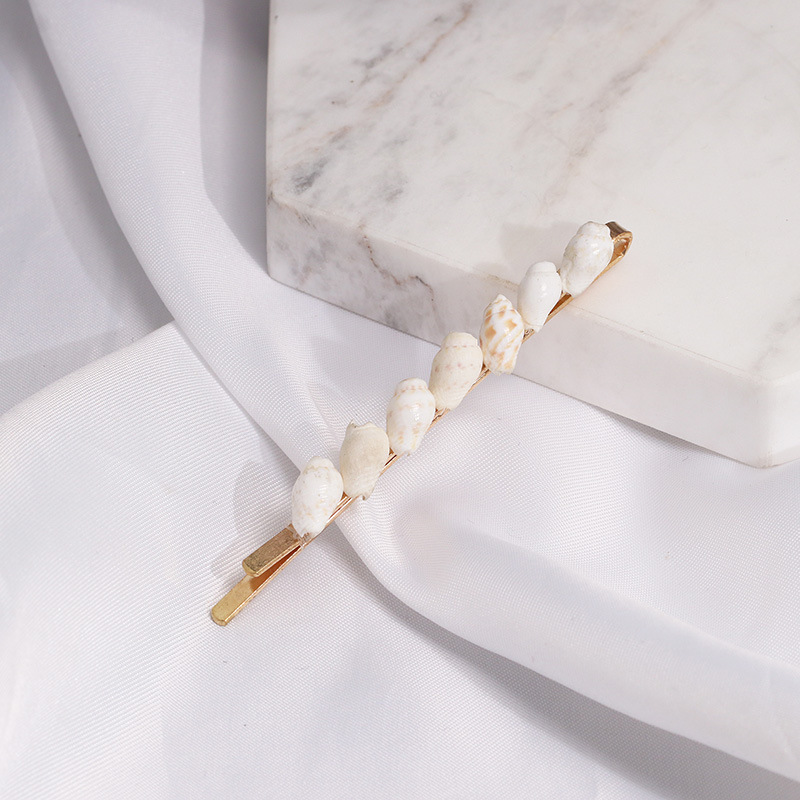 Купить с кэшбэком Jewelry Sea Shell Hair Clips Pearl Hair Pins Barrette Bobby Hairpins Hair Styling Tool Metal Hair Clips for Wedding Women Girl