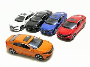 Image 2 - Новинка 1/32 масштаб HONDA 2019 CIVIC симулятор игрушечный автомобиль Металл литье под давлением модель с выдвижной спинкой звуковой светильник детские игрушки подарок на день рождения