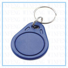 ISO14443A Programmable NFC Tag Waterproof 13.56MHZ Ntag213 Chip Smart Tag RFID Keyfob Keychain for all NFC enabled phones
