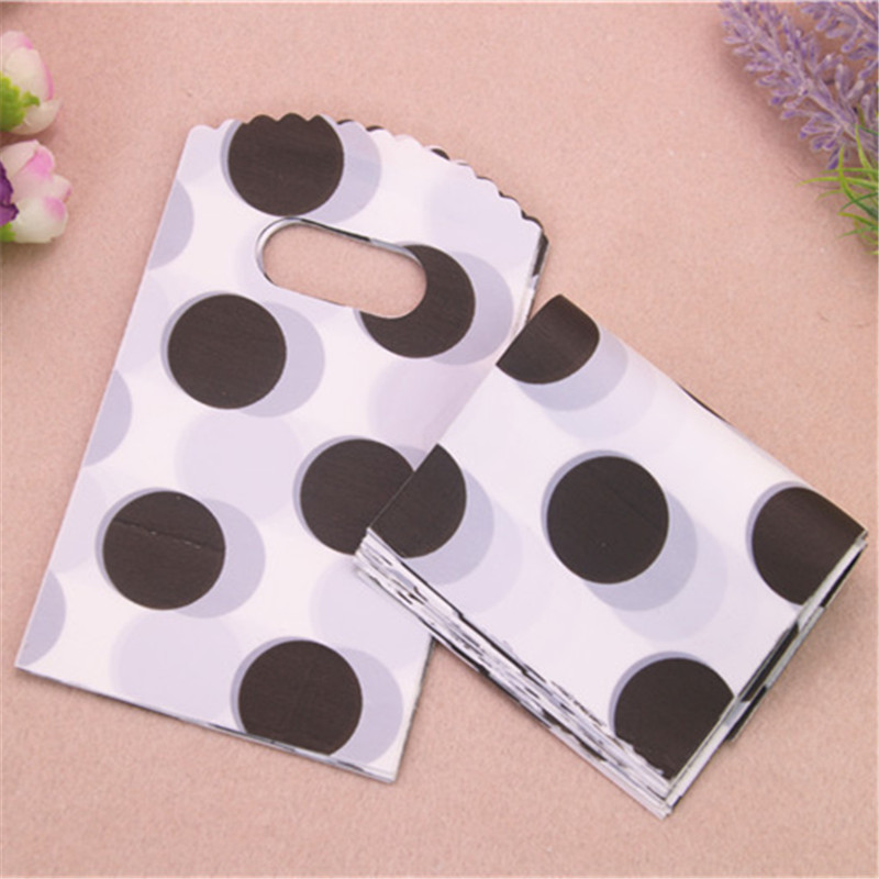 2017 New Design High Quality Wholesale 50pcs/lot 9*15cm White Small Plasitc Gift Packaging Bags With Black Dot