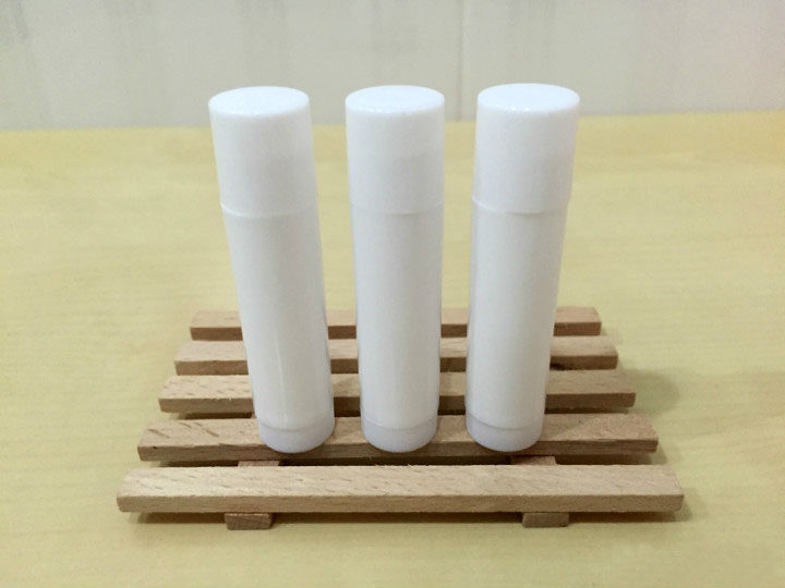 free shipping 5ml PP pro-environment material all white lipstick tube,lip balm container with rotating flat cover an incremental graft parsing based program development environment