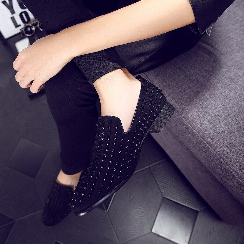 Top Quality EU 39 43 Red Bottom Men Shoes Fashion Dandelion Spikes Men Loafers Rivets Casual Dress Shoes Men Flats Black