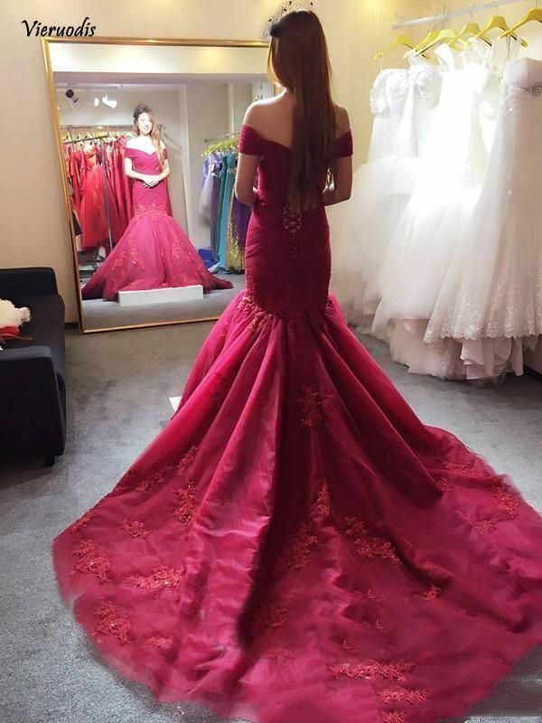Elegant Burgundy Off the Shoulder Long Prom Dresses Lace Applique Sequins Mermaid Evening Dress Sweep Train in Evening Dresses from Weddings Events