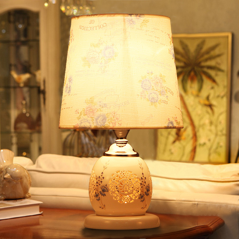TUDA 2017 now indoor lighting table lamps Chinese ceramic gifts decoration study the living room bedroom bedside lamp tuda glass shell table lamps creative fashion simple desk lamp hotel room living room study bedroom bedside lamp indoor lighting