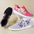Новый 2017 дышащий цветочные обувь для ходьбы женщины моды лоскутное зашнуровать женщин кроссовки на открытом воздухе zapatillas deportivas