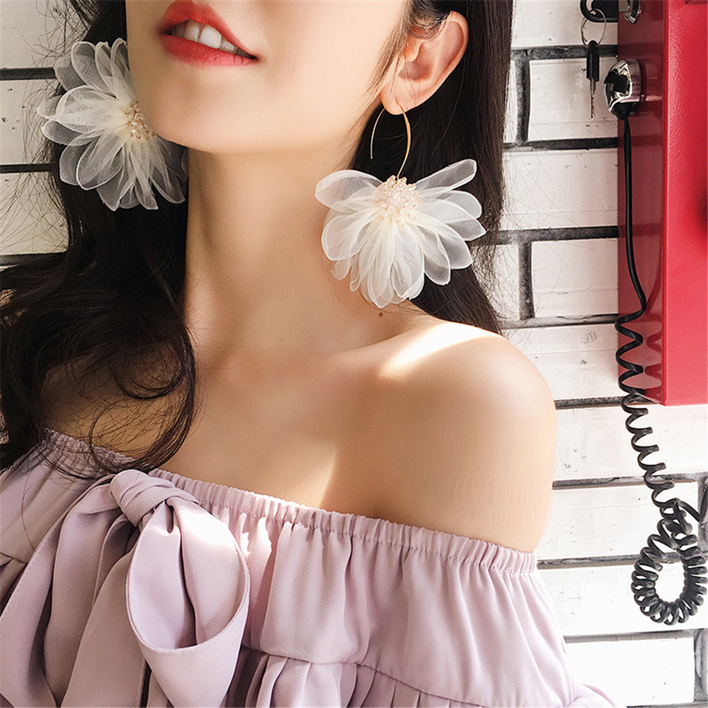 Dominated 2019 Fashion Crystal Temperament hyperbole Women Drop earrings Contracted lace Flower long earrings