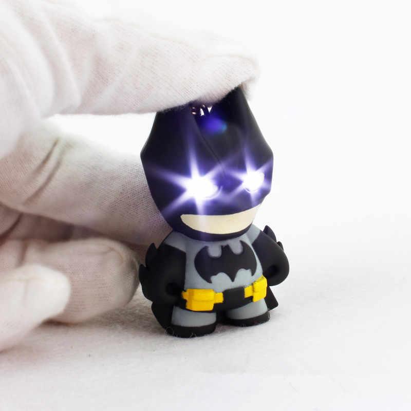 מפואר & פנטזיה חדש הגעה גיבור באטמן Led Keychain פנס תליון מפתח שרשרת חמוד פעולה איור Keyrings מגניב מתנה