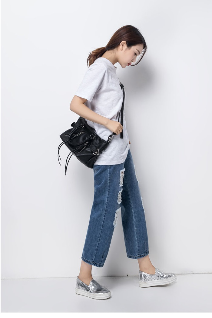 Famous designer simple handbags Europe and the United States Casual tassel shoulder bag diagonal package free