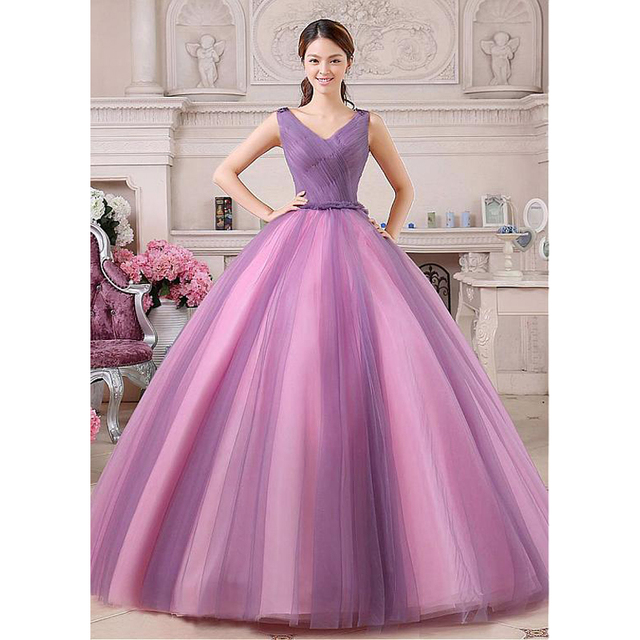 c846fa27b17 Dulce 16 Vestidos princesa vestido De bola del v-cuello Backless Appliuqes  lentejuelas púrpura Quinceanera