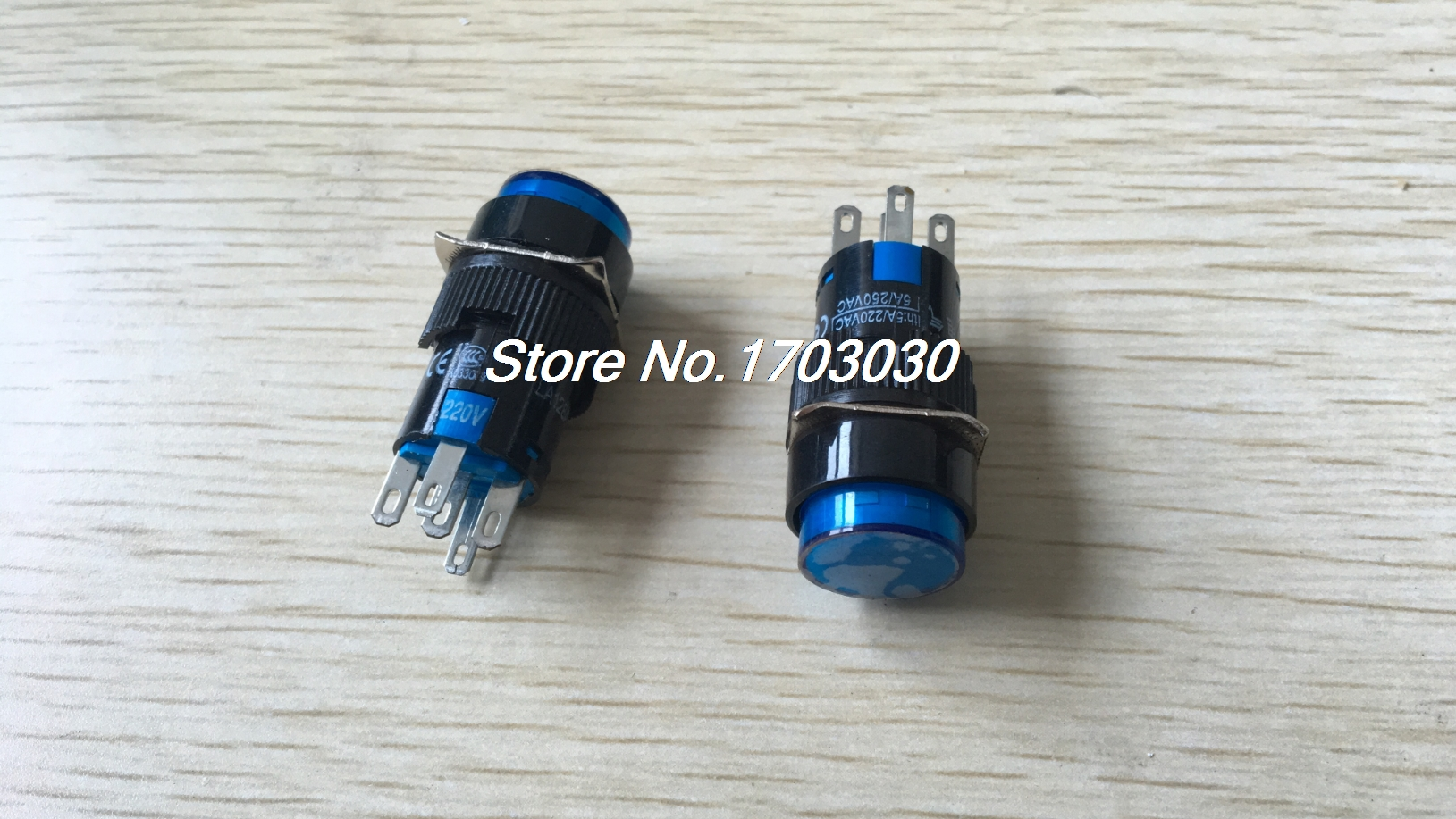 2 Pcs AC 220V Blue Light Momentary SPDT Round AC 250V 5A Push Button Switch round magnetic button fridge navy blue coffee 5 pcs