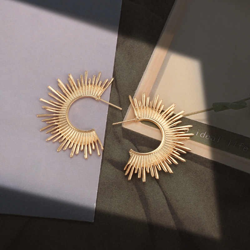 2019 moda quente cor do ouro meio círculo cravado forma do parafuso prisioneiro brincos feminino presente abstrato irregular liga orelha brinco pendientes