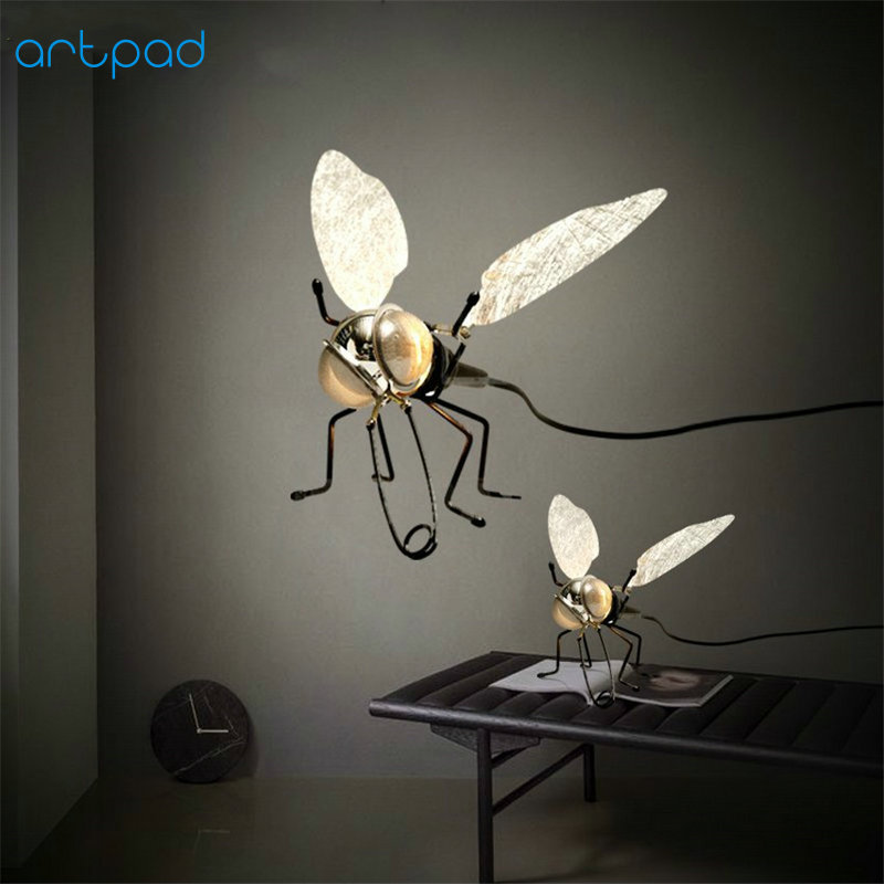 Artpad Modern Creative Bedroom Decorative Wall Light AC220V Fly Shaped LED Wall Lamp with Plug and Switch(E14 Bulb Included)